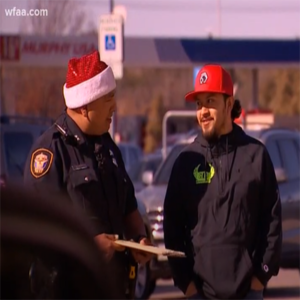cops go undercover to give donations